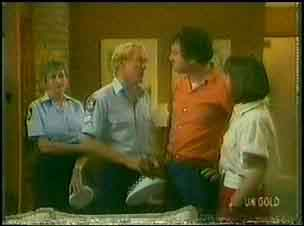 Const. Bright, Sgt. Hawkins, Max Ramsay, Maria Ramsay in Neighbours Episode 0027