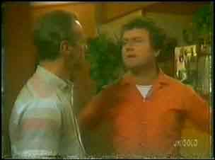 Jim Robinson, Max Ramsay in Neighbours Episode 0027