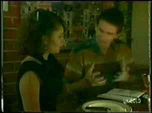 Julie Robinson, Des Clarke in Neighbours Episode 0028