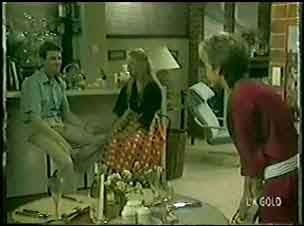 Des Clarke, Marilyn Temple, Daphne Clarke in Neighbours Episode 0028
