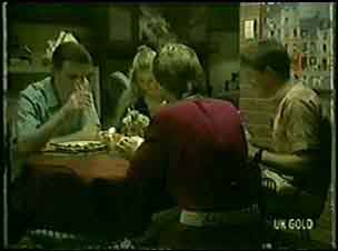 Des Clarke, Marilyn Temple, Daphne Clarke, Leo Mason in Neighbours Episode 0028