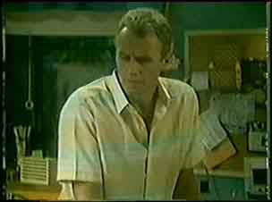 Jim Robinson in Neighbours Episode 0028