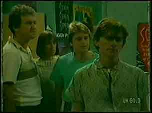 Max Ramsay, Maria Ramsay, Shane Ramsay, Danny Ramsay in Neighbours Episode 0029