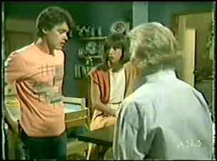 Helen Daniels, Maria Ramsay, Paul Robinson in Neighbours Episode 0030