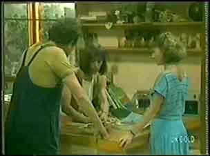 Max Ramsay, Maria Ramsay, Julie Robinson in Neighbours Episode 0030