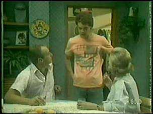 Jim Robinson, Paul Robinson, Helen Daniels in Neighbours Episode 0031
