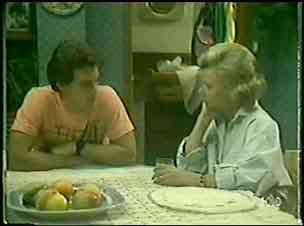 Paul Robinson, Helen Daniels in Neighbours Episode 0031