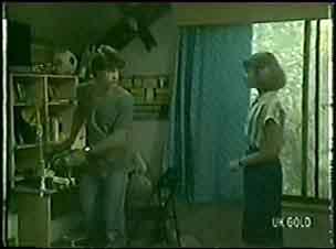 Scott Robinson, Julie Robinson in Neighbours Episode 0031