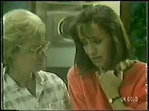 Helen Daniels, Maria Ramsay in Neighbours Episode 0031