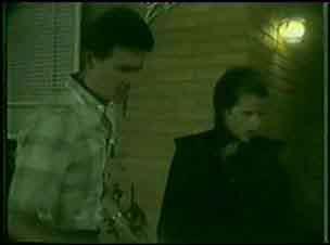 Des Clarke, Daphne Clarke in Neighbours Episode 0032