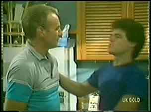 Jim Robinson, Paul Robinson in Neighbours Episode 0033