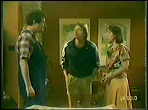 Max Ramsay, Shane Ramsay, Maria Ramsay in Neighbours Episode 0033