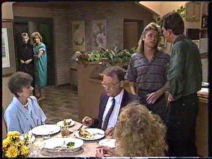 Daphne Clarke, Des Clarke, Madge Bishop, Nell Mangel, Charlene Mitchell, Shane Ramsay, Harold Bishop in Neighbours Episode 0426