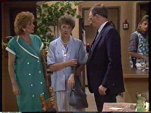 Madge Bishop, Nell Mangel, Harold Bishop, Shane Ramsay in Neighbours Episode 0426
