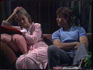 Daphne Clarke, Mike Young in Neighbours Episode 0426