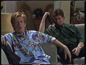 Clive Gibbons, Des Clarke in Neighbours Episode 0426