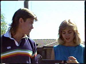 Mike Young, Jane Harris in Neighbours Episode 0426