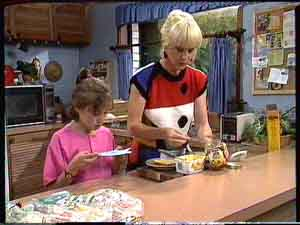 Lucy Robinson, Rosemary Daniels in Neighbours Episode 0427