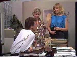 Paul Robinson, Helen Daniels, Jane Harris in Neighbours Episode 0428