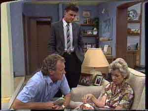 Paul Robinson, Jim Robinson, Helen Daniels in Neighbours Episode 0428