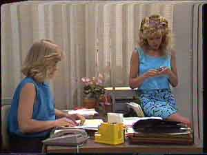 Charlene Mitchell, Jane Harris in Neighbours Episode 0428