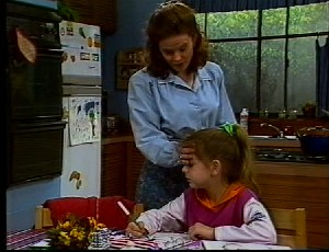 Julie Robinson, Hannah Martin in Neighbours Episode 1751