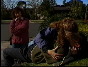 Pam Willis, Debbie Martin, Rick Alessi in Neighbours Episode 1751