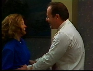 Julie Robinson, Philip Martin in Neighbours Episode 1751