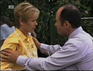 Benito Alessi, Cathy Alessi in Neighbours Episode 1896