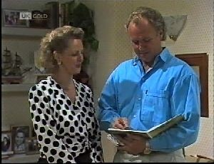 Fiona Hartman, Jim Robinson in Neighbours Episode 1896