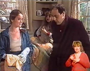 Philip Martin, Julie Robinson, Hannah Martin in Neighbours Episode 2018