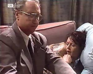 Dr Dawson, Pam Willis in Neighbours Episode 2020