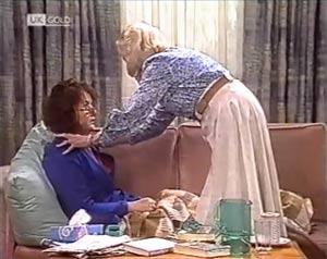 Pam Willis, Helen Daniels in Neighbours Episode 2020