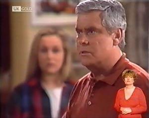 Lou Carpenter, Lauren Turner in Neighbours Episode 2022