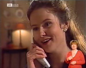 Julie Robinson in Neighbours Episode 2022