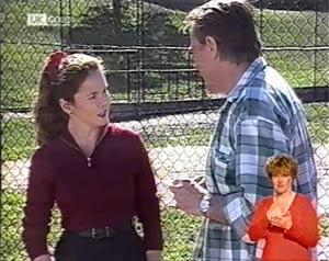 Julie Robinson, Doug Willis in Neighbours Episode 2023