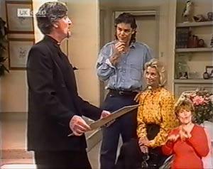 Nigel Dobbs, Wayne Duncan, Helen Daniels in Neighbours Episode 2024