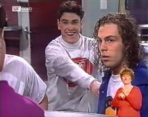 Lenny Hooper, Craig Slater in Neighbours Episode 2025