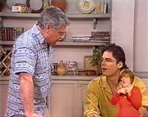 Lou Carpenter, Wayne Duncan in Neighbours Episode 2025
