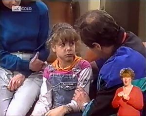 Julie Martin, Hannah Martin, Philip Martin in Neighbours Episode 2025