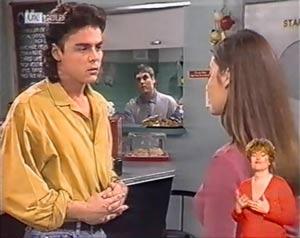 Wayne Duncan, Mark Gottlieb, Beth Brennan in Neighbours Episode 2025