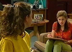 Anne Wilkinson, Hannah Martin in Neighbours Episode 2920