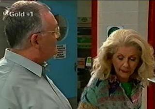 Harold Bishop, Madge Bishop in Neighbours Episode 2921