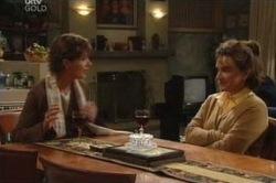 Lyn Scully, Susan Kennedy in Neighbours Episode 4583
