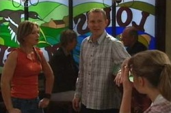 Steph Scully, Max Hoyland, Summer Hoyland in Neighbours Episode 4583