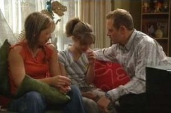 Steph Scully, Summer Hoyland, Max Hoyland, Dino in Neighbours Episode 4583