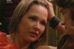Steph Scully, Lyn Scully in Neighbours Episode 4584