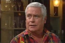 Lou Carpenter in Neighbours Episode 4585