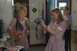 Sky Mangel, Lana Crawford, Izzy Hoyland in Neighbours Episode 4587