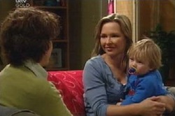 Steph Scully, Oscar Scully, Lyn Scully in Neighbours Episode 4589